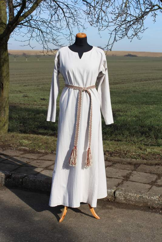 d75067c7d6b2 Spodní lněné šaty - strojově šité